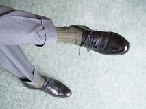 Mężczyzna w czarnych butach zdjęcie stock