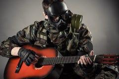 Mężczyzna w masce gazowej Fotografia Stock