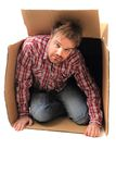 Mężczyzna w papierowym pudełku Obraz Stock