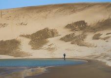 Mężczyzna w piaskach fotografia royalty free
