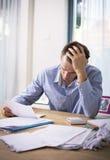 Mężczyzna w pieniężnym stresie zdjęcia stock