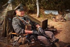 Mężczyzna w postaci Niemieckiego żandarmu od drugiej wojny światowa Obrazy Royalty Free
