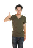 Mężczyzna w pustej koszulce z aprobatami Zdjęcie Royalty Free