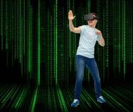 Mężczyzna w rzeczywistości wirtualnej słuchawki lub 3d szkłach Zdjęcie Royalty Free