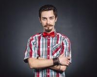 Mężczyzna w szkockiej kraty koszula i łęku krawacie Zdjęcie Stock