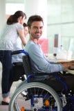 Mężczyzna w wózek inwalidzki Obraz Royalty Free