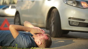 Mężczyzna wypadek samochodowego głowa roztrzaskująca pieszy raniący w wypadkach drogowych zbiory