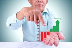 Mężczyzna wyznacza wzrastającego cel Zdjęcie Stock