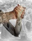 Mężczyzna wziąć kobiety ` s rękę Zdjęcie Royalty Free