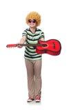 Mężczyzna z afro peruką z gitarą Zdjęcia Royalty Free