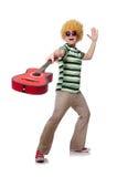 Mężczyzna z afro peruką z gitarą Zdjęcie Stock