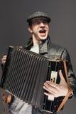 Mężczyzna z akordeonem Obrazy Stock