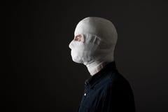 Mężczyzna z bandażem na jego głowie Obraz Stock