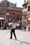 Mężczyzna z batem, demonstracja występy, Verona, Włochy Wrzesień 26th, 2013 Zdjęcie Stock