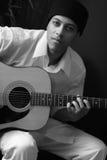 Mężczyzna z gitarą Fotografia Royalty Free