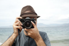 Mężczyzna z kamerą Obraz Royalty Free