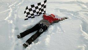 Mężczyzna z koniec flaga na śniegu zdjęcia royalty free