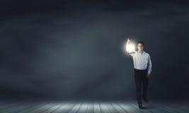 Mężczyzna z lampionem Zdjęcia Stock