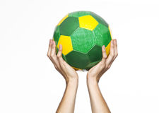 Mężczyzna z piłką w jego ręki Fotografia Stock