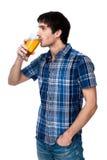 Mężczyzna z piwnym szkłem odizolowywającym na bielu Zdjęcia Stock