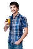 Mężczyzna z piwnym szkłem odizolowywającym na bielu Obraz Royalty Free