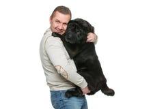 Mężczyzna z sharpei psem Zdjęcia Royalty Free