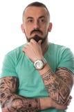 Mężczyzna Z tatuażem I broda Na Białym tle Obrazy Stock