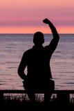 Mężczyzna z Zaciskającą Pięścią zdjęcie royalty free