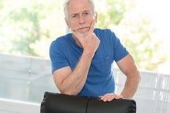 mężczyzna zadumany portreta senior Zdjęcie Royalty Free