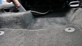 Mężczyzny próżnie samochodowy wnętrze zbiory wideo