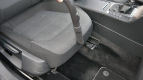 Mężczyzny próżnie samochodowy wnętrze zbiory
