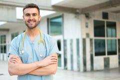 Męska pielęgniarka z stetoskopem zdjęcia stock