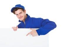 Męska pracownika cleaning podłoga Obrazy Royalty Free