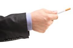 Męska ręka daje papierosowi Fotografia Royalty Free