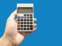 Męska ręka z kalkulatorem Obraz Royalty Free