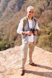Męska wycieczkowicza wierzchołka góra Zdjęcia Royalty Free