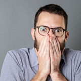 Męski błędu pojęcie dla ogłuszonego młodego biznesmena Zdjęcie Stock