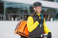 Męski cyklista Z kurier torby Doręczeniowy Używać Obraz Stock