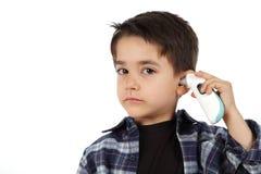 Męski dziecko kontroluje febrę Obrazy Stock
