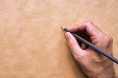 Męski ilustratora i nakreślenie artysty rysunek z ołówkiem Obrazy Royalty Free