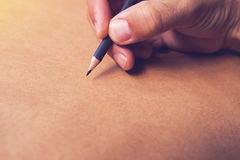Męski ilustratora i nakreślenie artysty rysunek z ołówkiem Fotografia Royalty Free