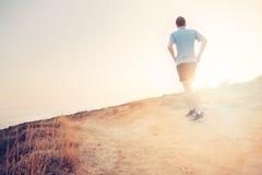 Męski Jogger Biec sprintem Outdoors Dysponowany potomstwo sporta sprawności fizycznej model Zdjęcie Stock