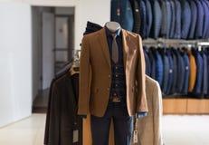 Męski Mannequin Formalnej odzieży mody sklep Obrazy Stock