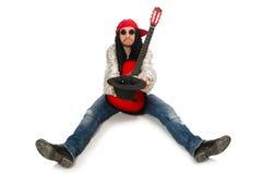 Męski muzyk z gitarą odizolowywającą na bielu Zdjęcia Stock