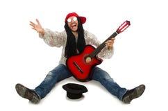 Męski muzyk z gitarą odizolowywającą na bielu Fotografia Stock