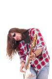 Męski muzyk z twarzy wyrażeniem bawić się elektryczną basową gitarę Zdjęcia Royalty Free