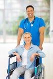 Męski pielęgniarka pacjent Zdjęcie Stock