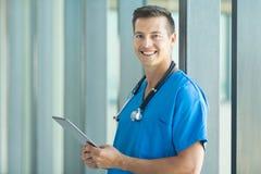 Męski pielęgniarki miejsce pracy Zdjęcie Royalty Free