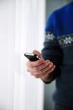 Męski ręki mienia smartphone Obraz Stock