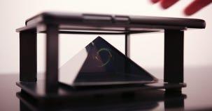Męski ręki przedstawienie Na Smartphone okręgu Laserowym hologramie Mężczyzna Z Przyszłościowej technologii Mobilnym Holograficzn zdjęcie wideo